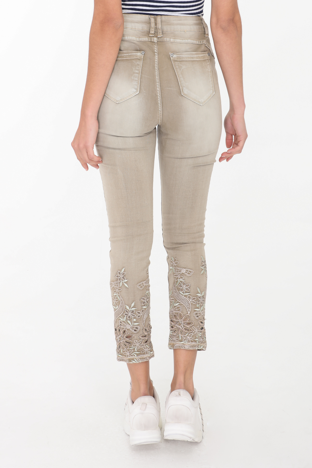 Taupe 4